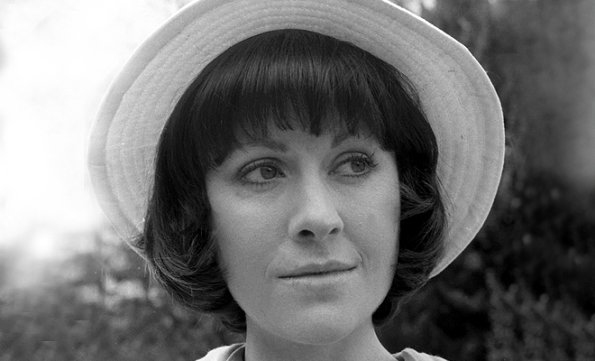 Elisabeth Sladen, 1 February 1948 – 19 April 2011